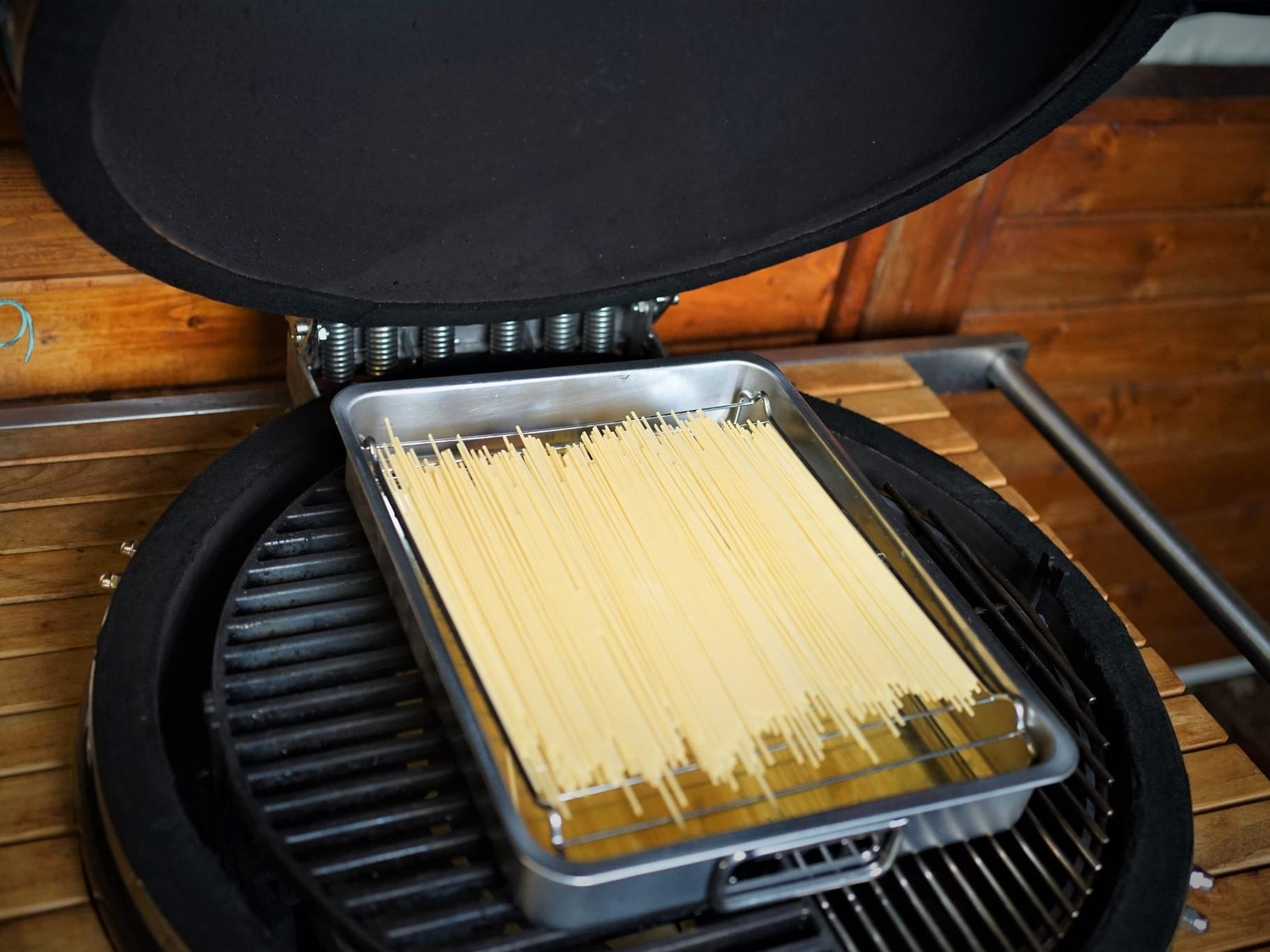 Pasta vom Kamado Grill