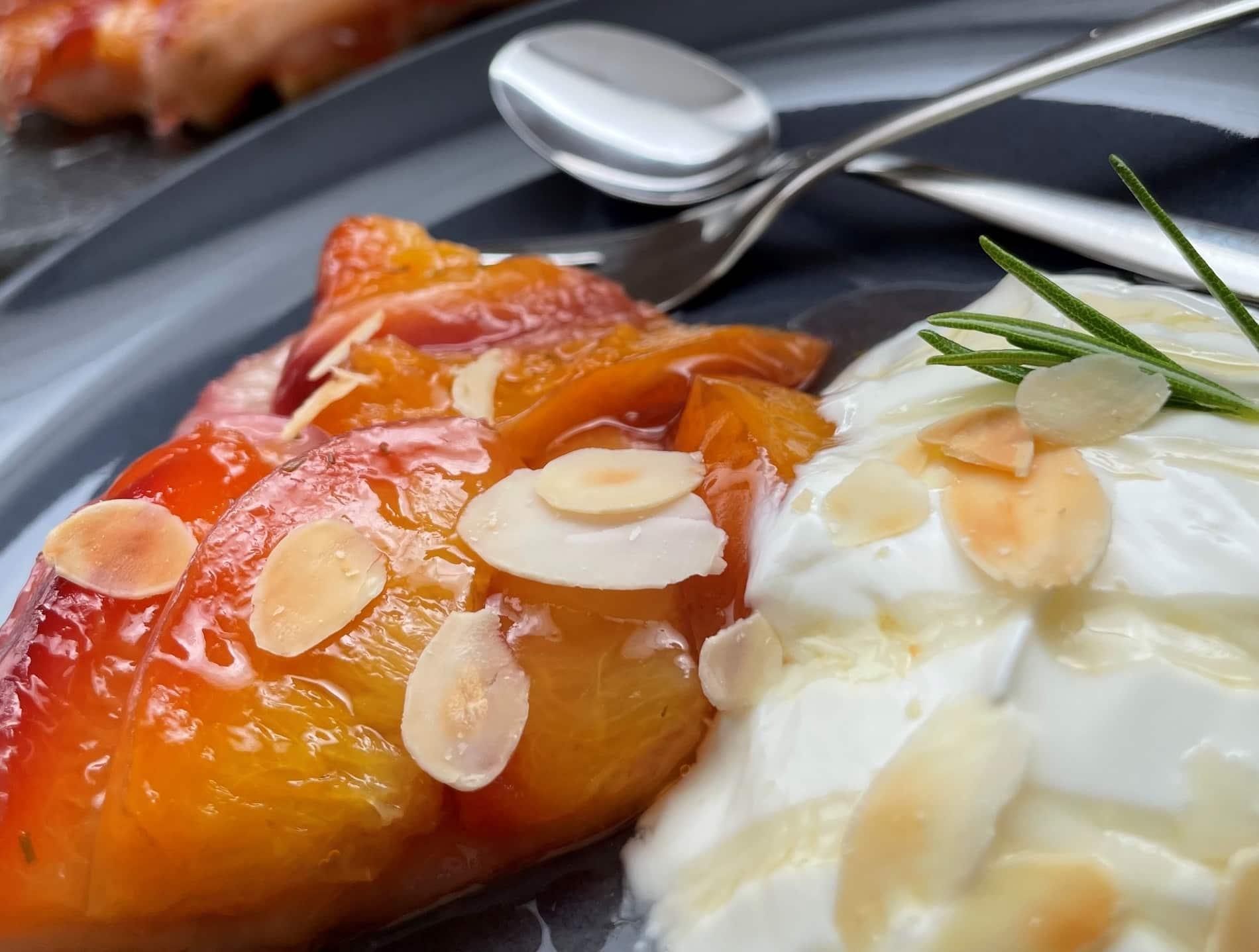 Tarte tatin van nectarine en honing